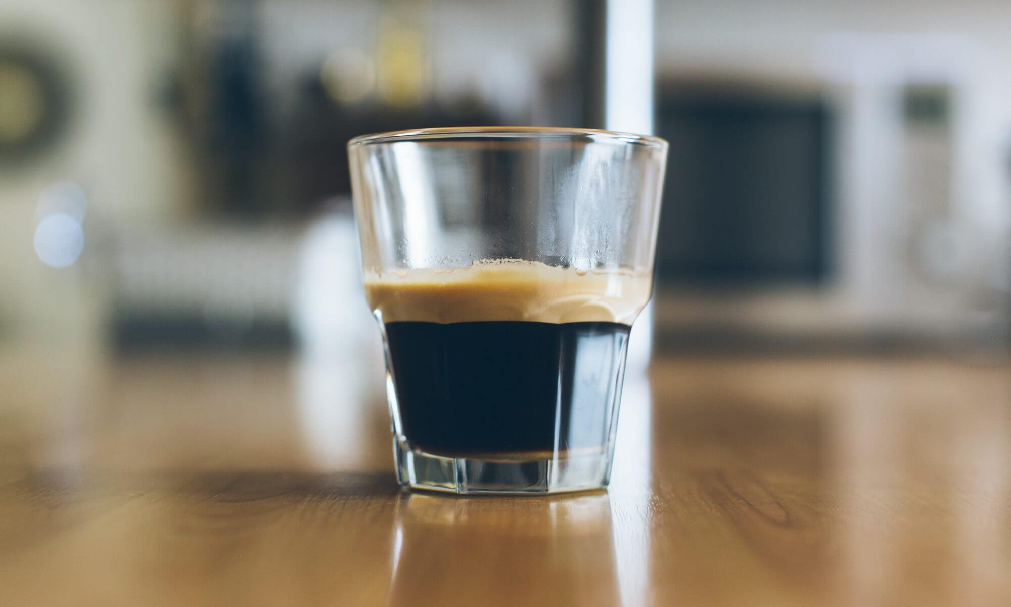 Espresso glas koffie tijd nemen Tijd nemen voor elkaar. Alfa Bewind